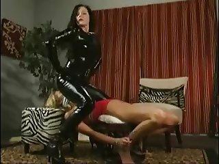 Erotic Lesbian Facesitting