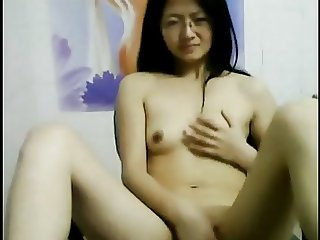 Chinese amateur young girl with glasses masturbating