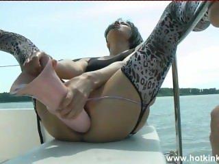 kinky boat