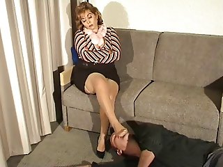 Mature Domina Foot Worship