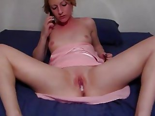going to MILFS room to creampie her