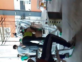 leggings at gym 4