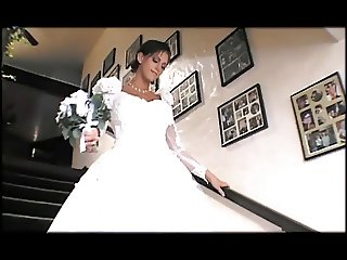 wedding dress scene 3