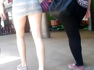 Candid young teen ass in minidress. Hot!