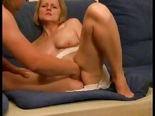 Amateur MILF blondie fisting