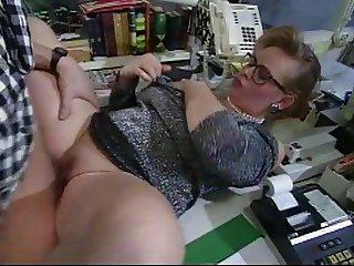 bo-no-bo bang the secretary