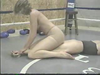 lesbian wrestling facesitting