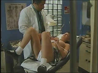 18 Teen Year-Old School Girl Fucks Doctor