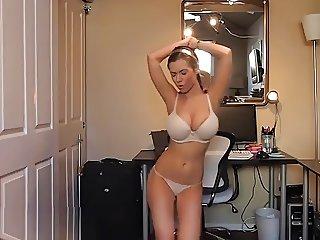 Big Tit Dancing Chick