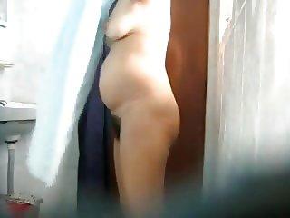 aunt bathing