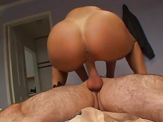 MILF banged by another hottie