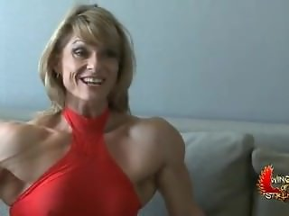 sexy muscle woman