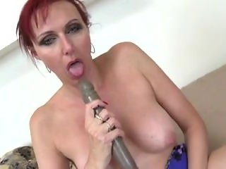 Delphine from 1fuckdate.com - Sexy mature slut mom with hungry v
