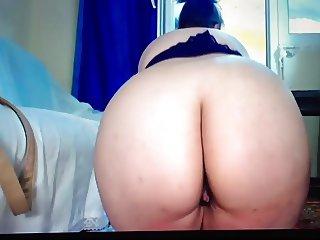 White BBW Twerking