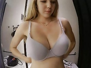 hot babe show her great big boobs