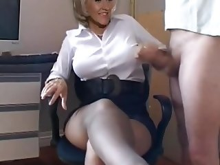 Liz Frasier mistress handjob