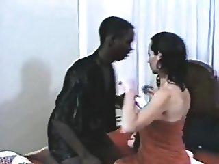 White Wife fucks a Black Jumbo
