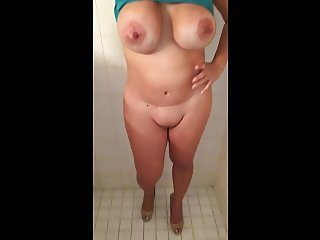 Busty wife bottomless