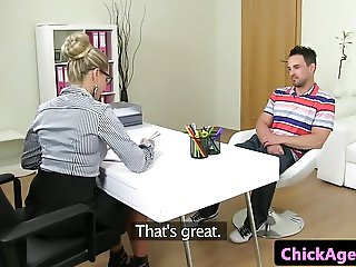 Office amateur riding her casted client