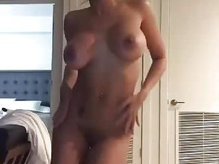 Sexy Dancing to Hotline Bling