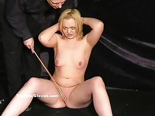 Mousetrapped blonde slaveslut Donna Dennieres pussy torture