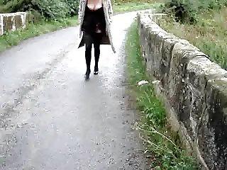 mature wife Pipeye flashing outdoors