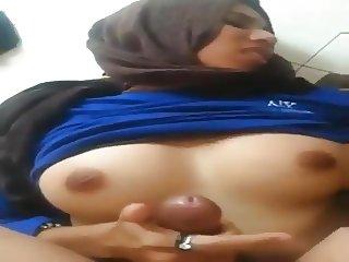 arab handjob