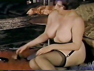 classic busty mature pinup style (short clip)