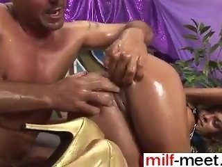 write her on milf-meet.com - extreme pussy stretching