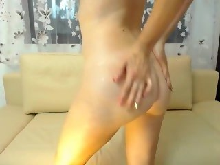 readhead webcam free onlinechat Just Laura. Strip Oil Buttplug Fingering