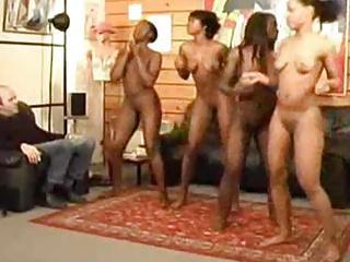 nude ebony girls dancing