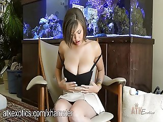 Cassidy Banks loves the Hitachi Wand