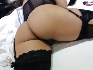 Spying MILFY in her bedroom