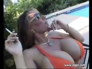 Lisa Lipps Smoking