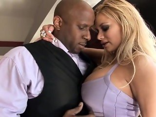 Fuckin' in the sold house - Shyla Stylez Great Ass