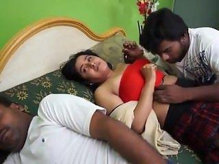 Sexy Indian Boy Romance Indian Beautiful Housewife Affair Sex Video