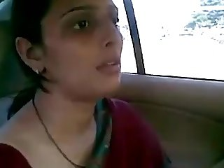 desi aunty fucking with her bf in car bj fun