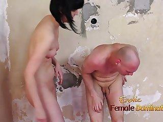 Merciless Nude Girl Beat Down Her Boyfriend