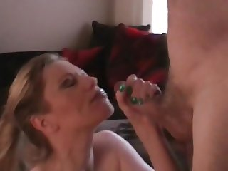 Hotwife taking a huge facial from her lover
