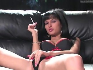 smoking fetish-Roxanna-1.