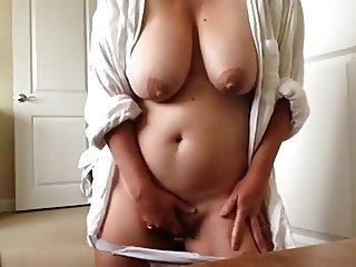 Mature masturbating pussy