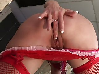 Nice ass cougar moans in gratification after getting screwed hard
