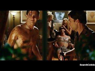 Amanda Swisten - Nikki Schieler Ziering - American Wedding (2003)