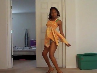 Ebony pyt dancing