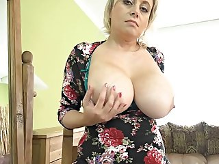 40s Mature and juicy big tits
