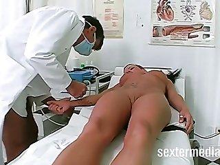 Dreier beim Frauenarzt! - Skandal in Deutschland!