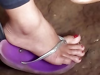 Yummy filipina feet