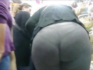 MILF LEGG BIG ASS