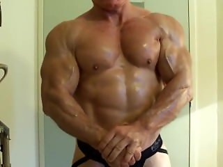This Muscle Daddy