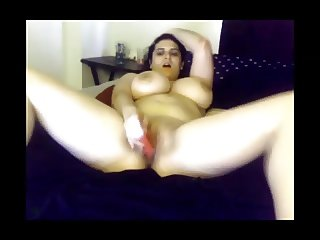 Thick chick with awesome tits masturbates to orgasm